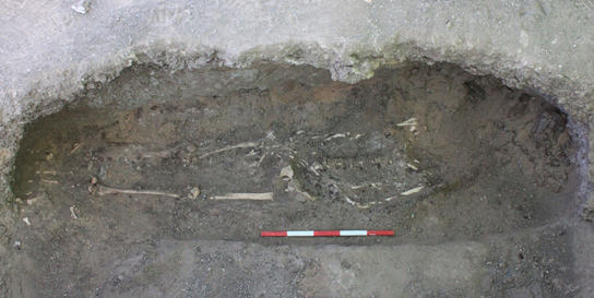 Tomb G237, radiocarbon-dated to the 10th/9th century BC, a niche burial typical of the last centuries of use of Cemetery C