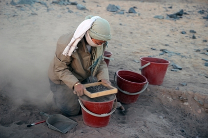Sieving deposits for pottery