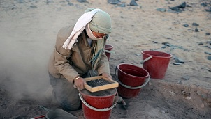 Sieving pottery