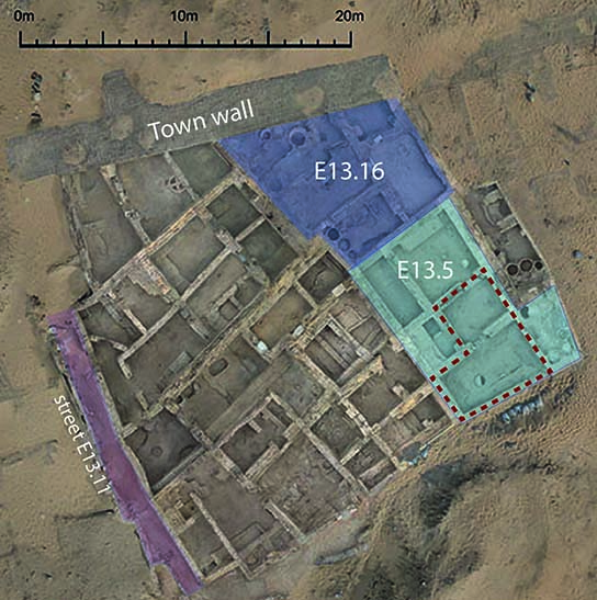 Area E13, with house E13.5, and area excavated by Anna (in red), indicated