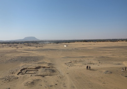 Pyramid tombs G321 (left) and G320 (right) in Cemetery D of Amara West